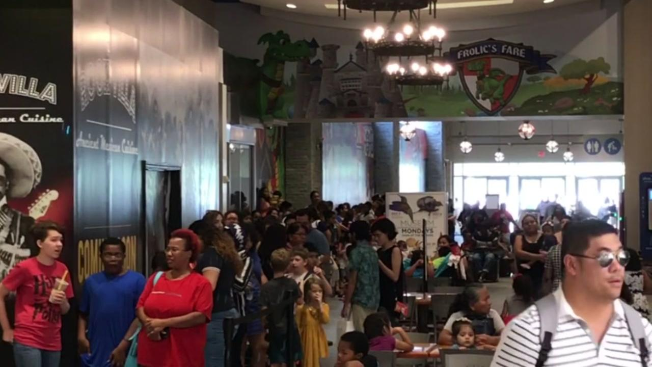 Crazy Build-A-Bear lines around the country