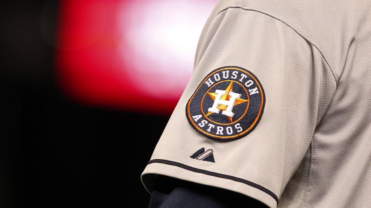 Astros players visit youth academy