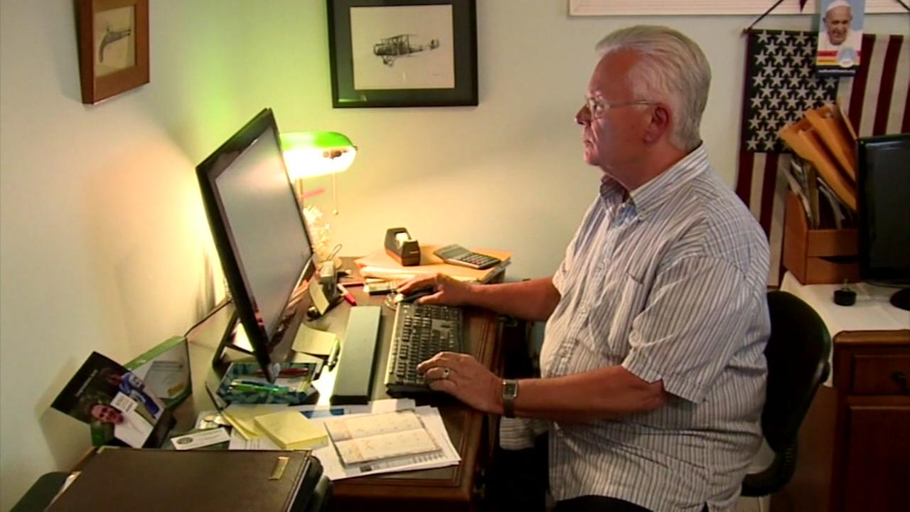 Man thousands of dollars in debt after falling for online job scam