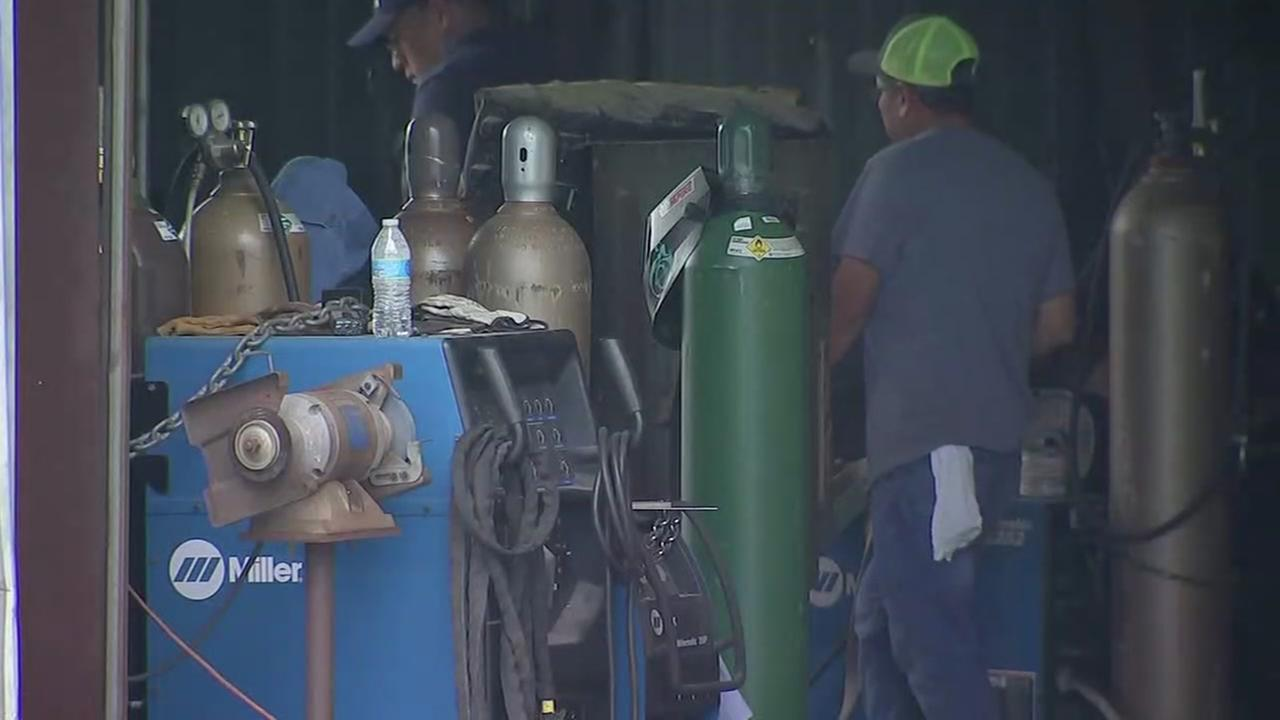Man killed in welding explosion while working on boat at Kemah business