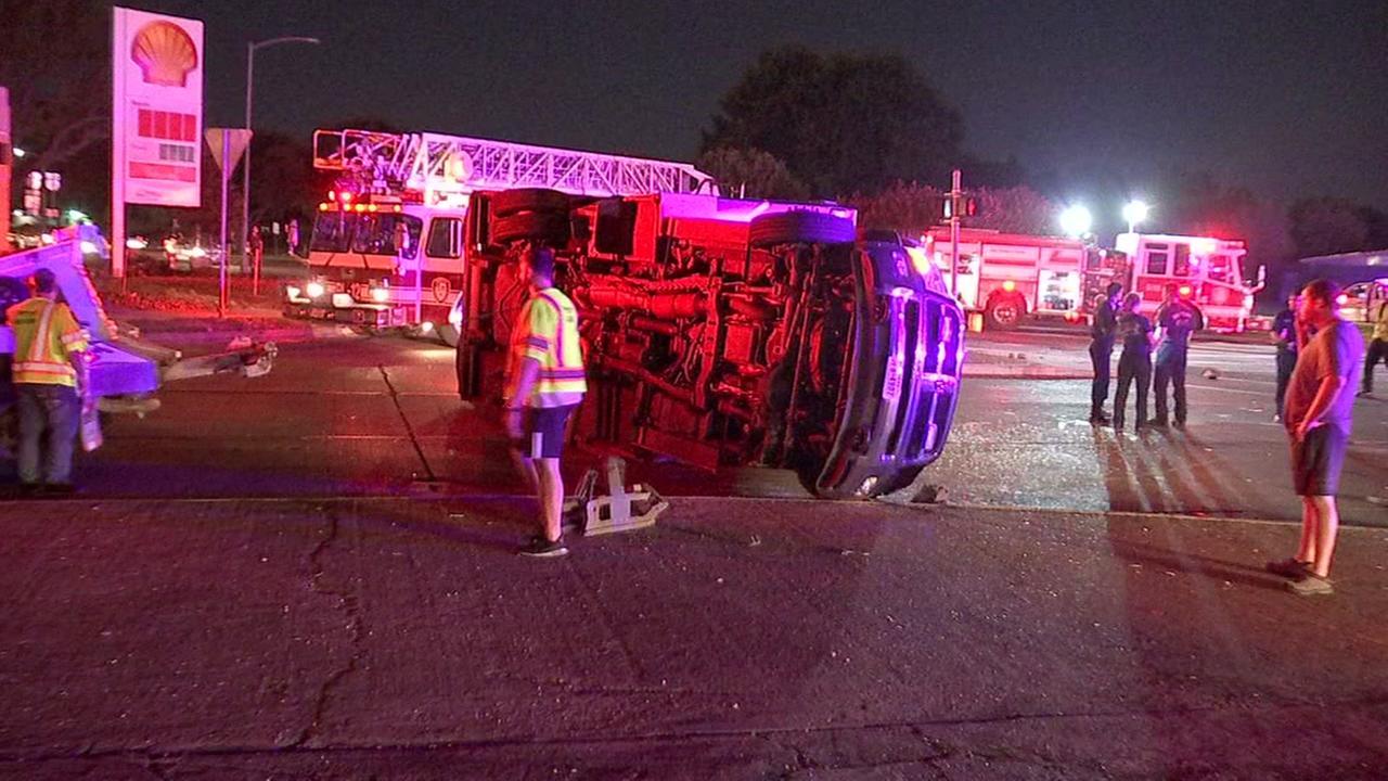 Paramedic injured in crash on Southwest Freeway