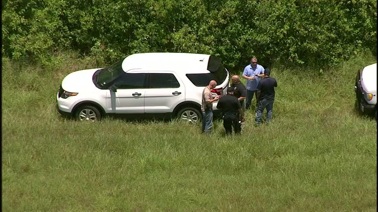 Neighbors on edge as police search of woods near Sims Bayou enters 5th hour