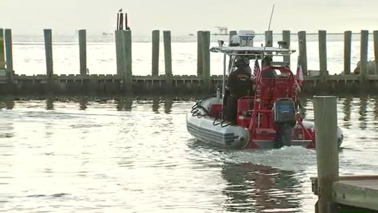 Coast Guard searching for missing boater in Texas City