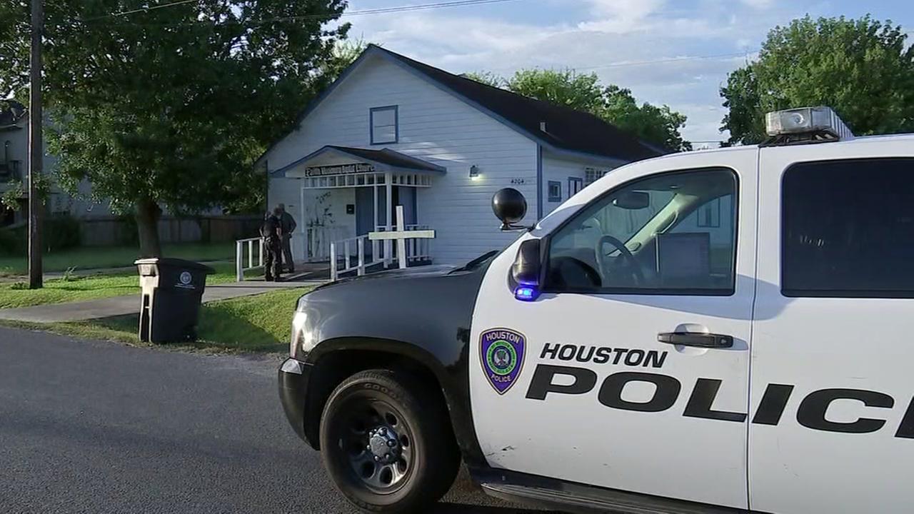 Pastor nearly shot by church burglar