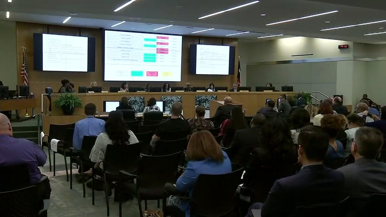 HISD board votes to give teachers pay increases after proposed freeze