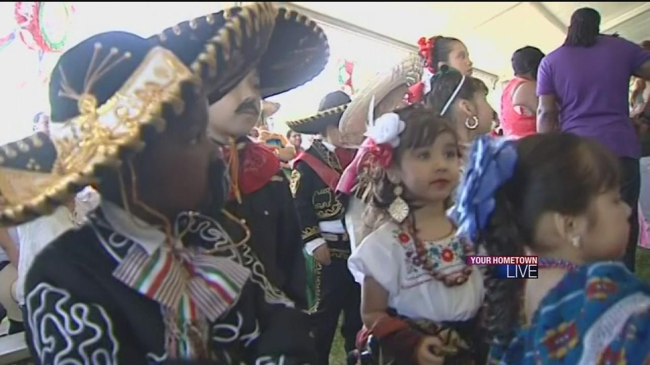 Houstonians mark Cindo de Mayo