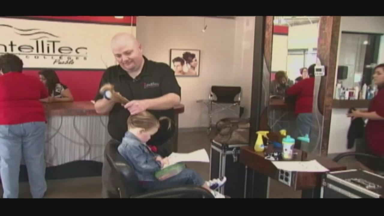 Single dad takes class to braid hair