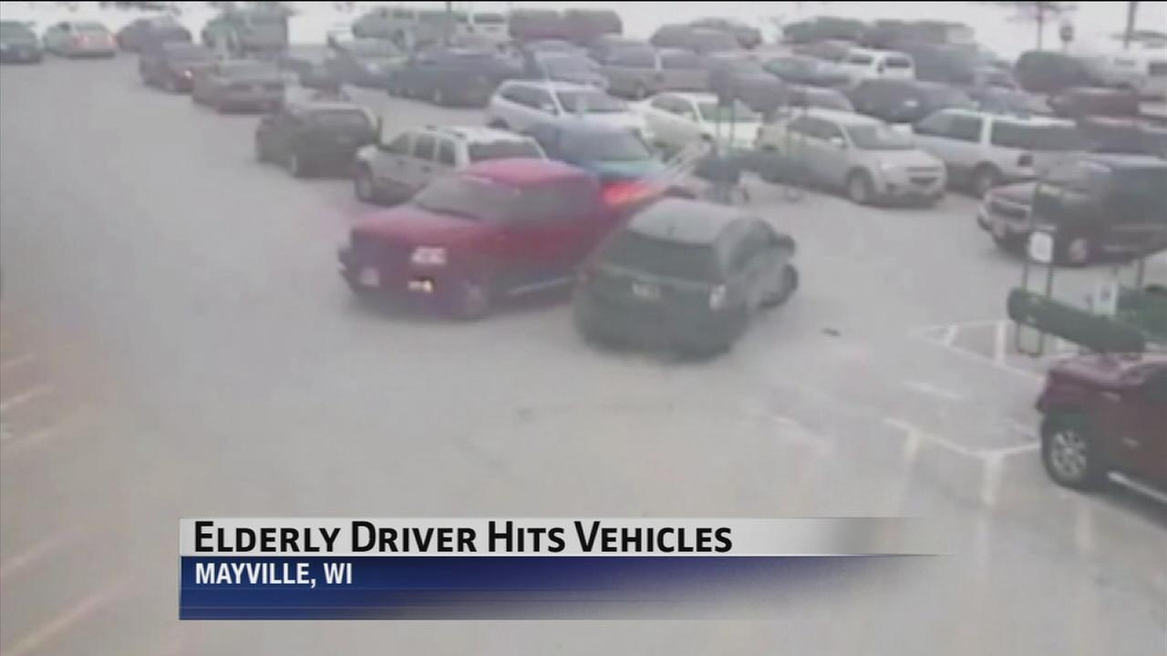 Elderly driver crashes into 9 cars in Wisconsin parking lot