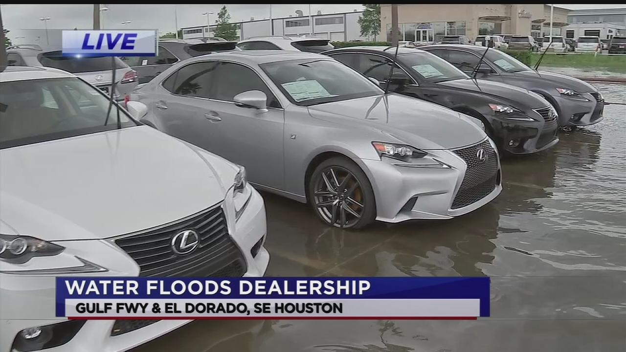 Dozens of new cars damaged by floodwaters in Clear Lake | abc13.com