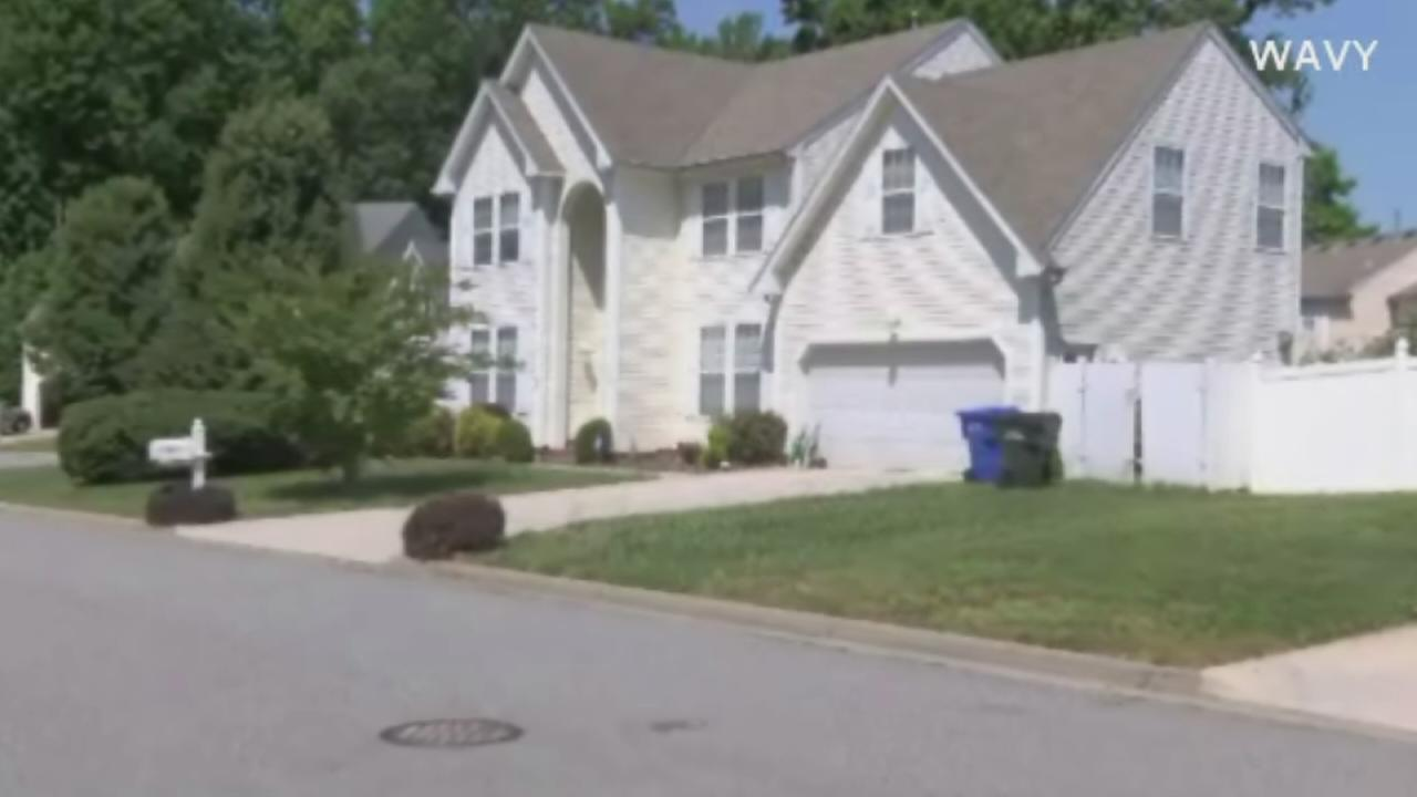 Mother accused of leaving 8-year-old home alone
