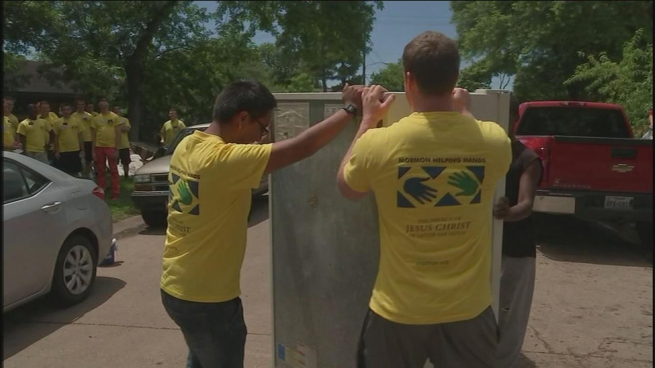 Volunteers offer help with flood clean up