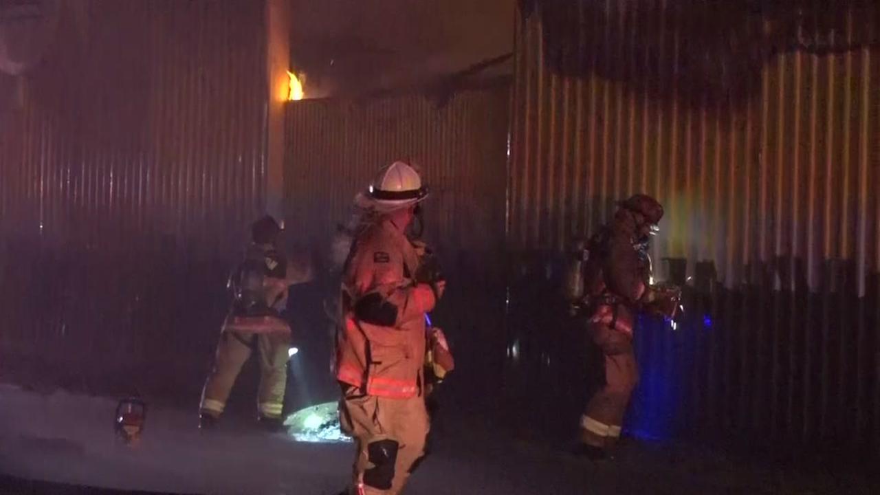 080815-ktrk-warehouse-fire-vid