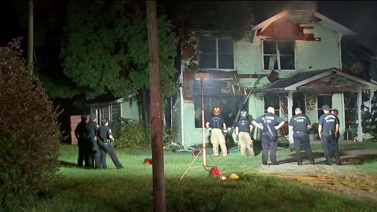 Roof caves in after house fire in Baytown