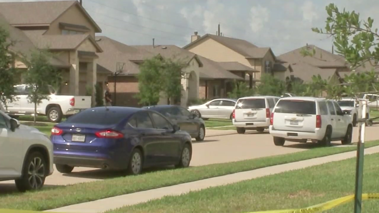 A man stabbed his ex-girlfriends new boyfriend at her home in Fort Bend County, officials say.