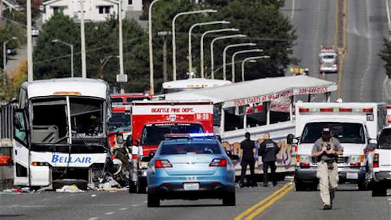 4 dead, dozens hurt after charter bus and duck boat collide on Seattle bridge