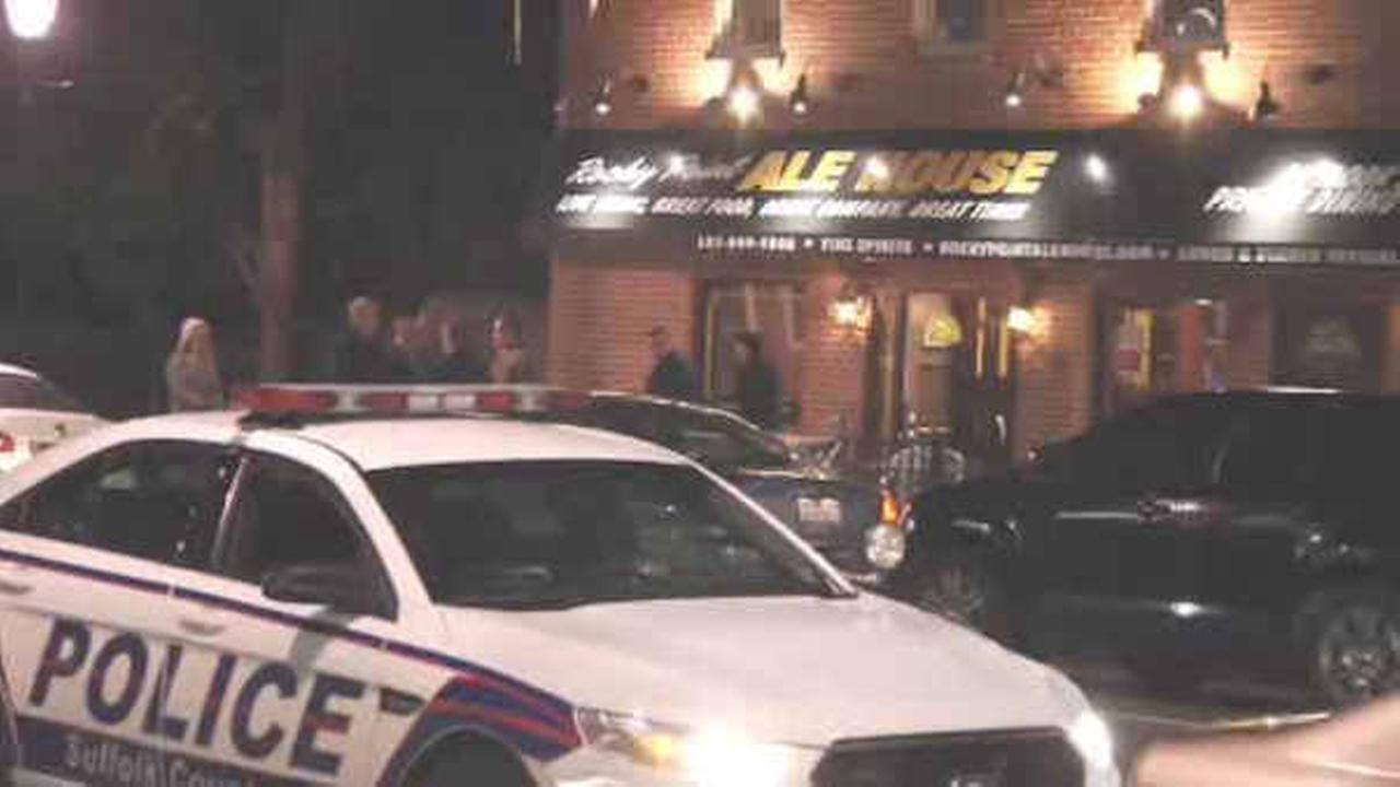 1 dead after fight breaks out at bar in Rocky Point, Long Island
