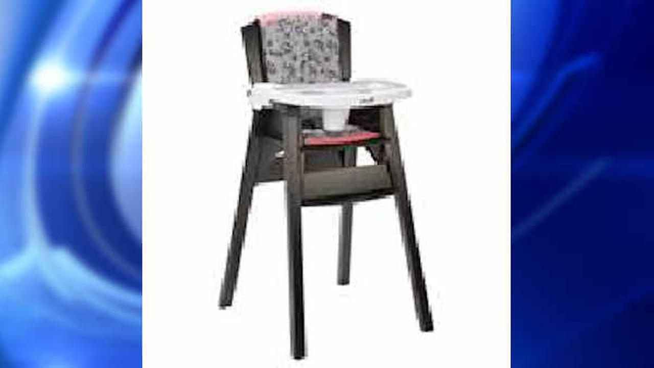 Safety 1st high chairs being recalled because kids can remove trays, get hurt