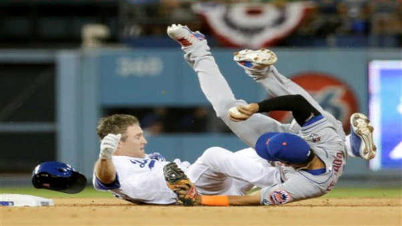 Ruben Tejada suffers broken leg in Mets' Game 2 loss to Dodgers