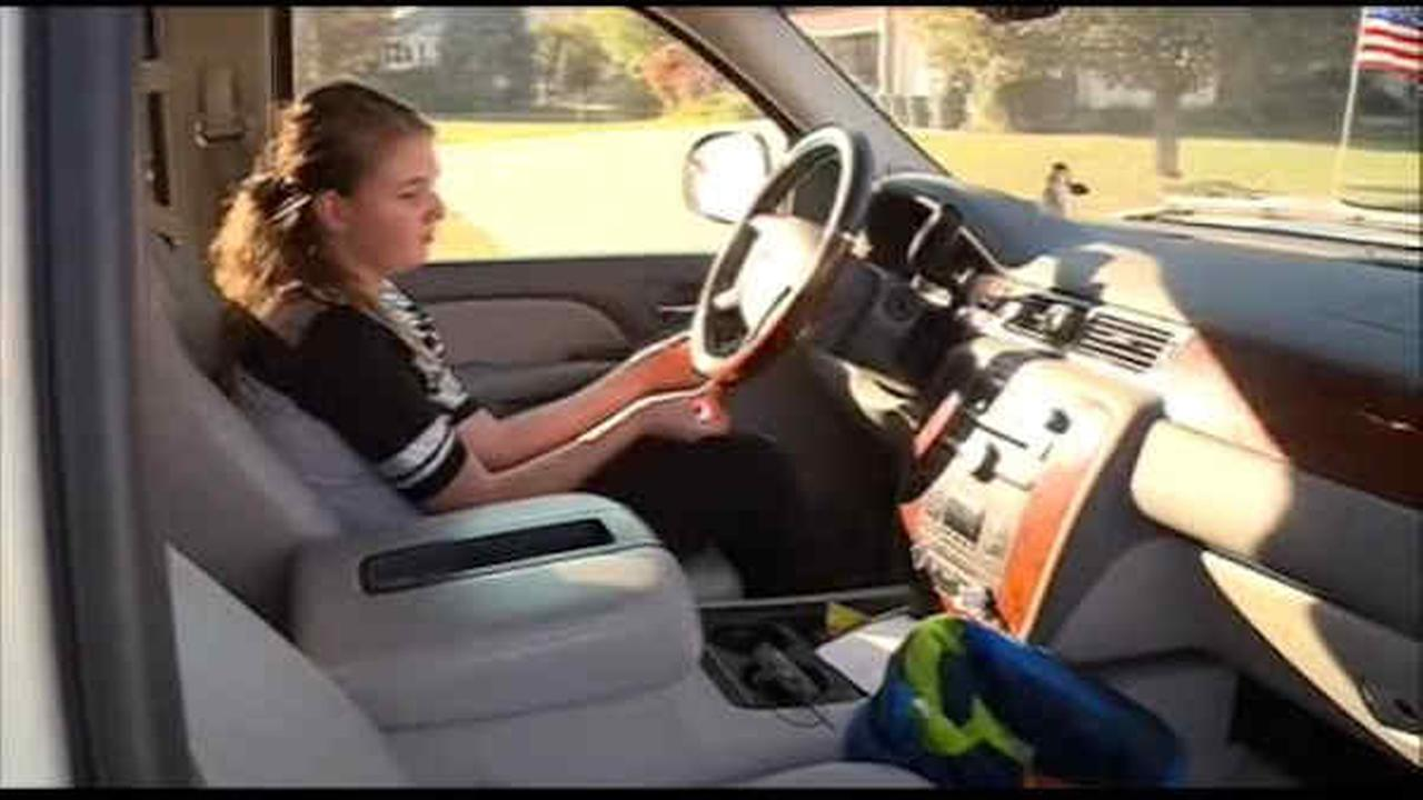 11-year-old daughter takes wheel after mom has seizure in Iowa
