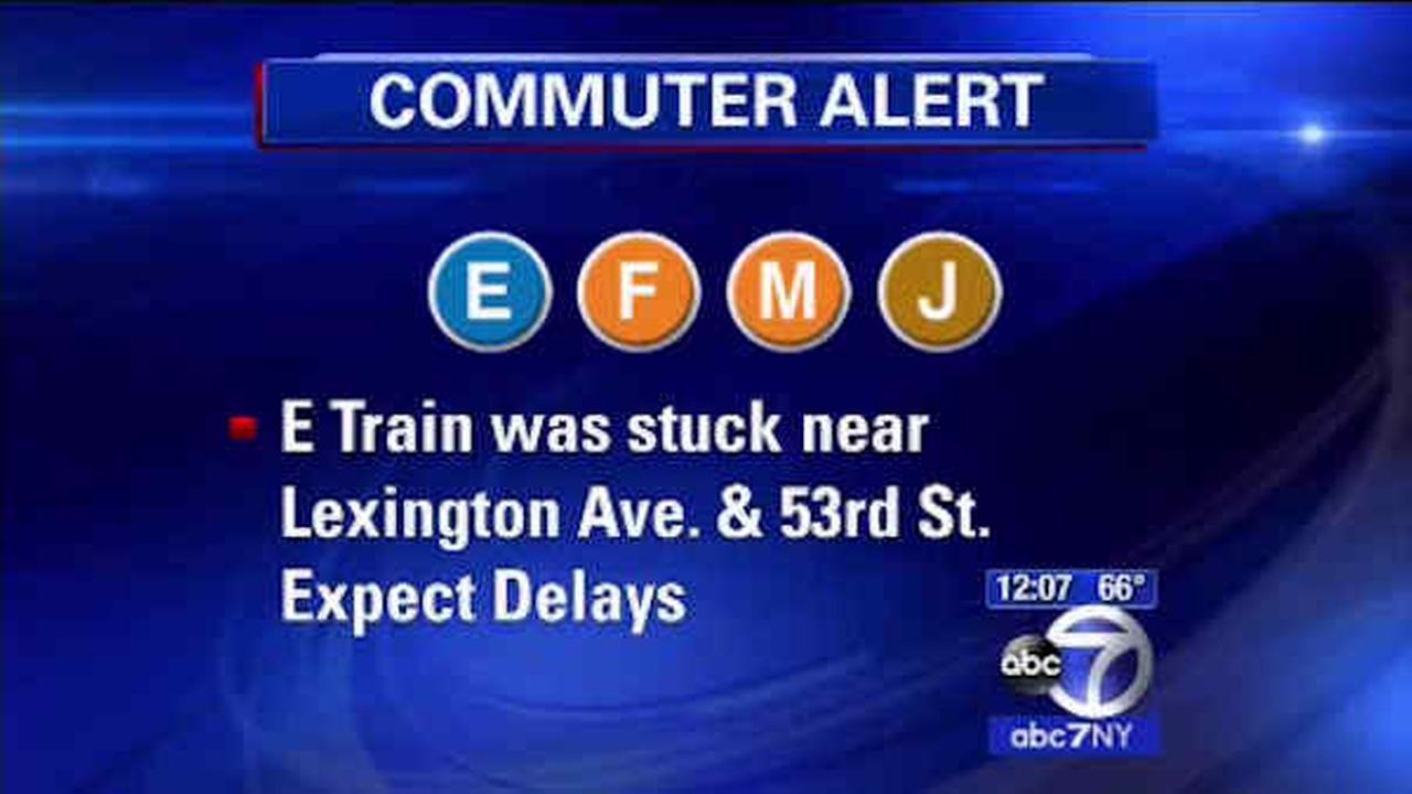 E train with mechanical problems strands passengers, causes massive delays