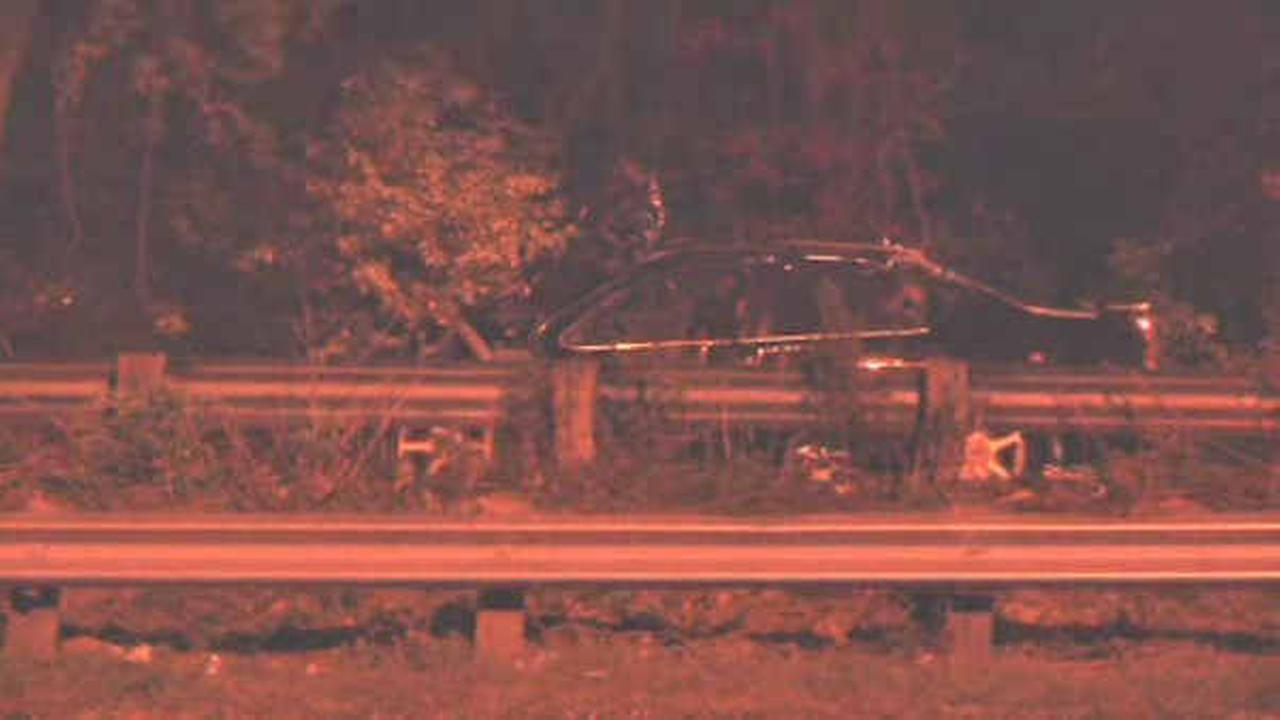 1 dead after cars collide on the Southern State Parkway in Wantagh
