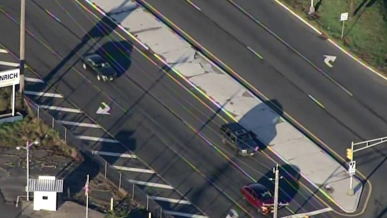 2 pedestrians hit, killed in New Jersey crossing Route 440