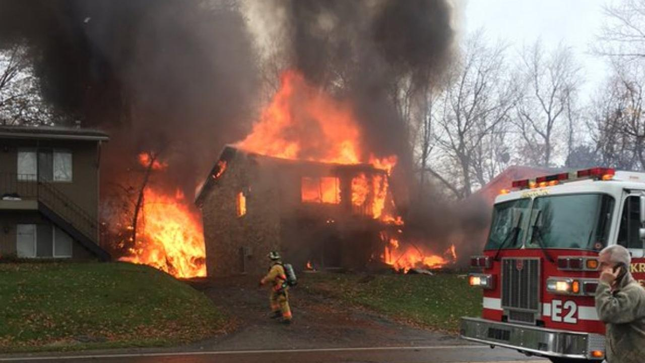 Occupants of 10-seater plane die when it hits Ohio house