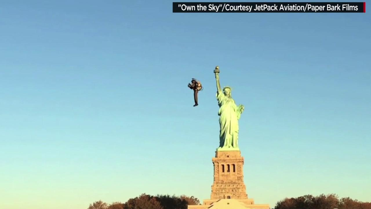 Video shows man flying using jetpack over the water near Statue of Liberty
