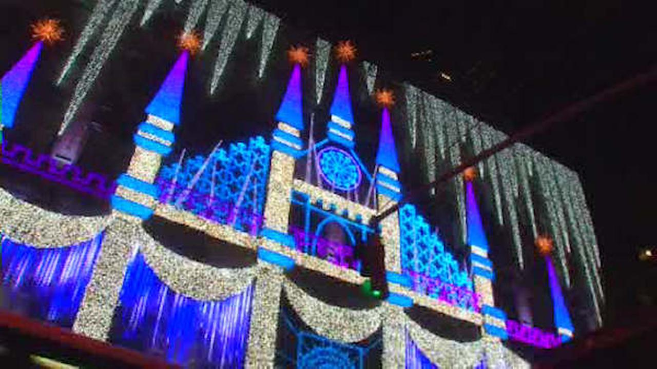 Saks Fifth Avenue unveils holiday light show