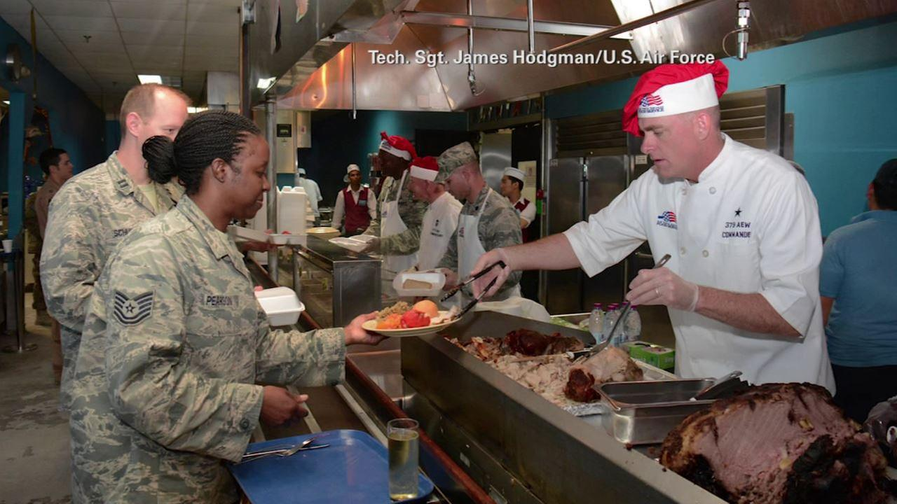 U.S. service members out of country treated to turkey dinner on Thanksgiving