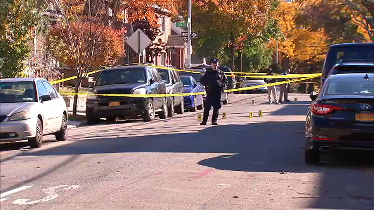 26-year-old man dead after being shot multiple times in Queens