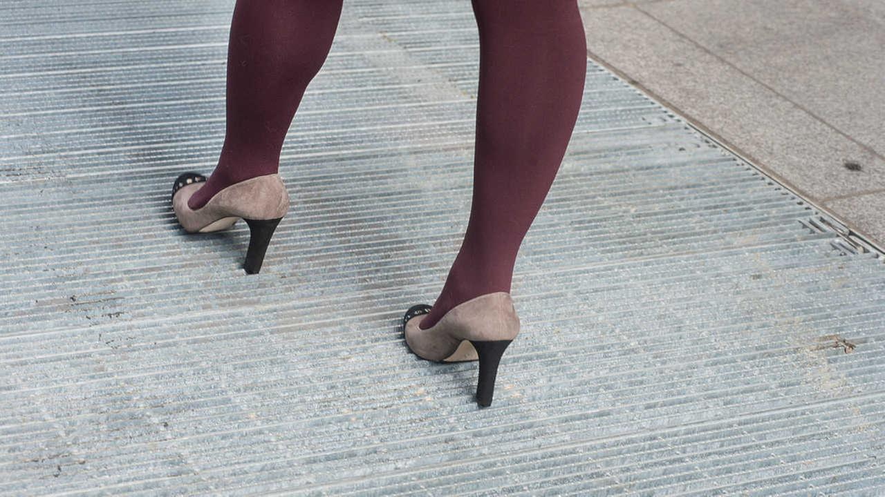 Yes, high heel friendly subway grates do exist!