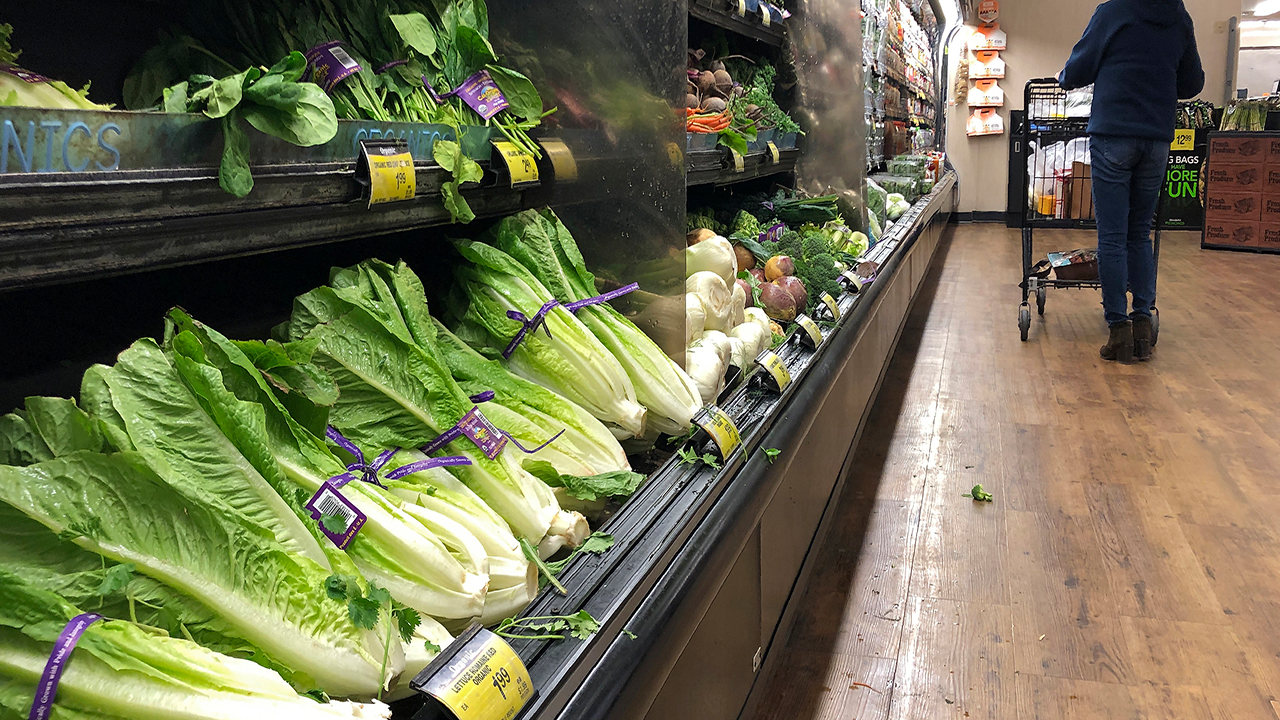US health officials say it's OK to eat some romaine lettuce again