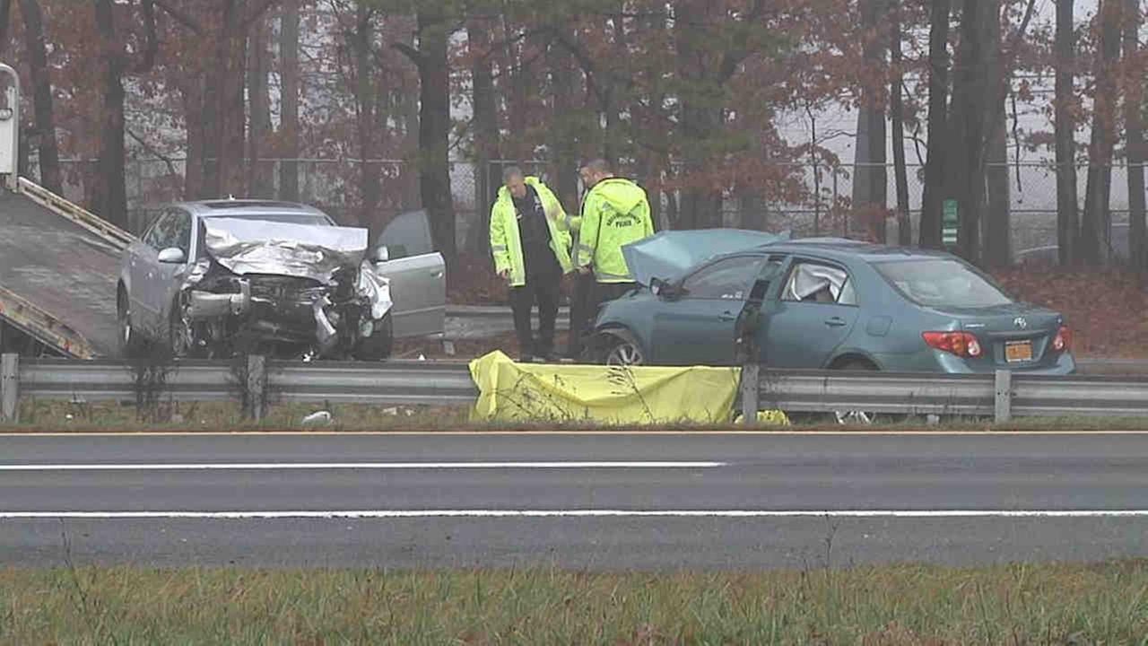 1 killed in head-on crash on Sunrise Highway