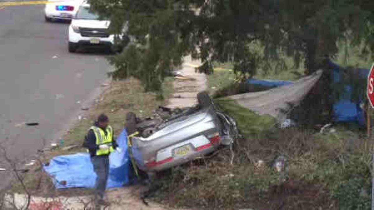 2 dead in Plainfield car accident
