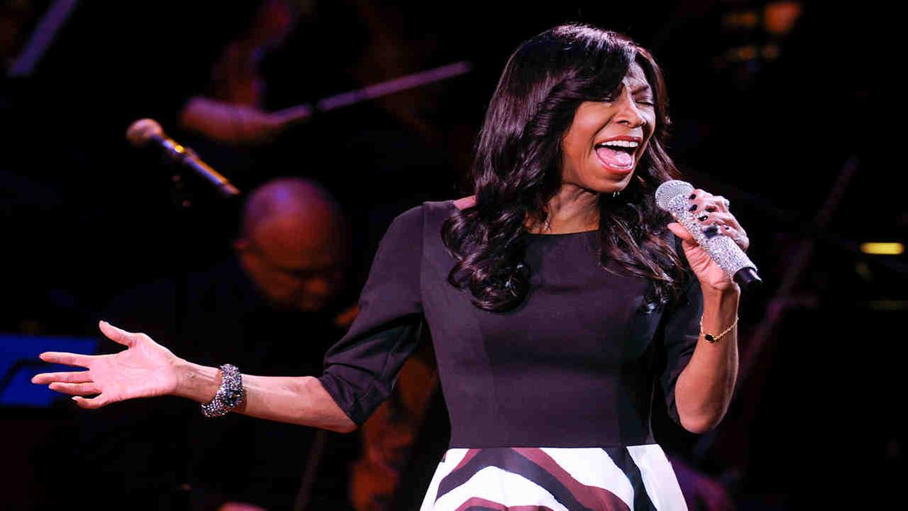 Celebrities pay tribute to singer Natalie Cole on social media