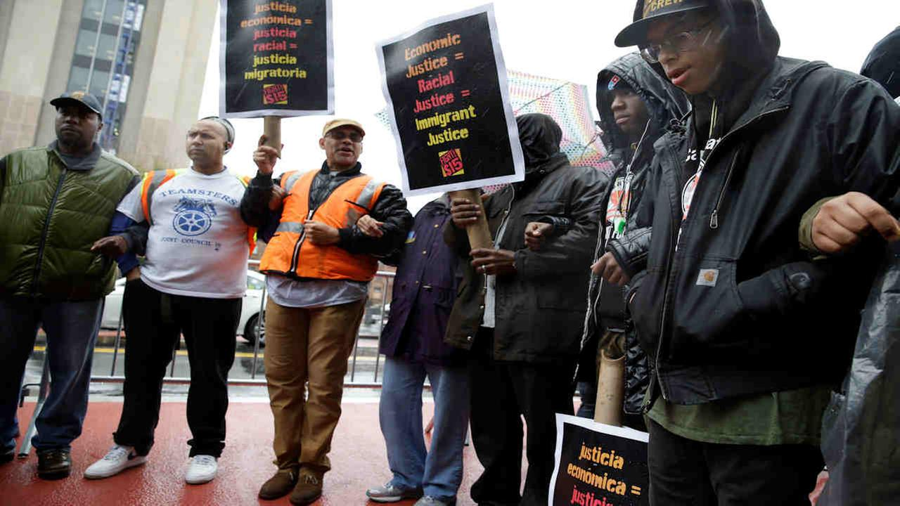 NYC to raise minimum hourly wage for 50K workers to $15