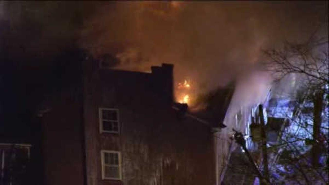 3 hurt, 4 homes destroyed in large fire in Burlington City, N.J.