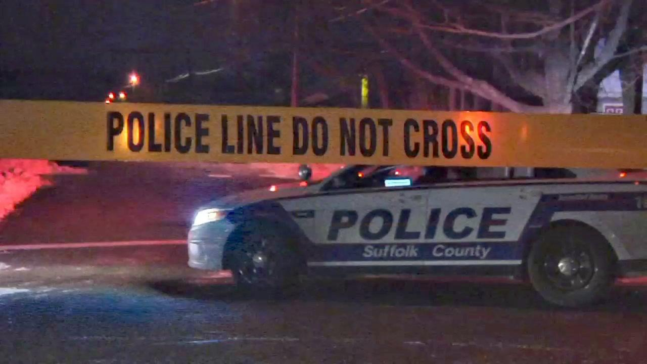 2 shot, 1 fatally, in North Amityville
