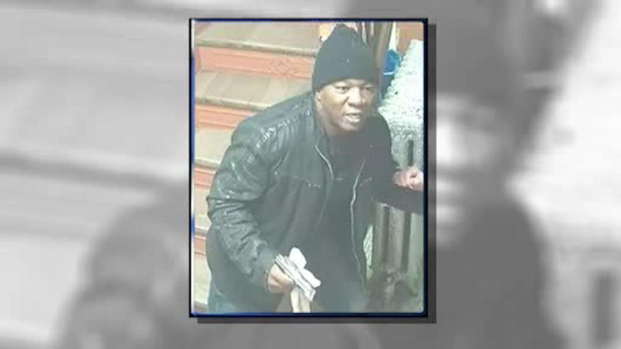 Police searching suspect in string of armed robberies in Lower Manhattan