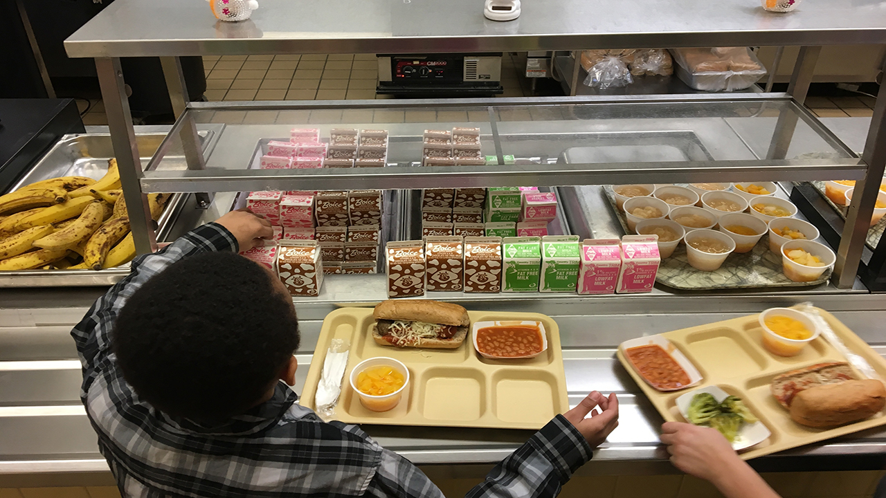 Refined grains, low-fat chocolate milk back on school lunch menus