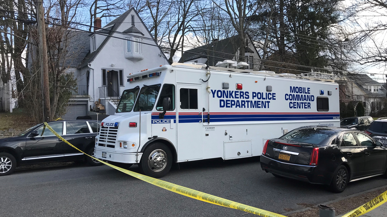 Police: Man shoots ex-girlfriend, new boyfriend before killing himself after breaking into their Yonkers home