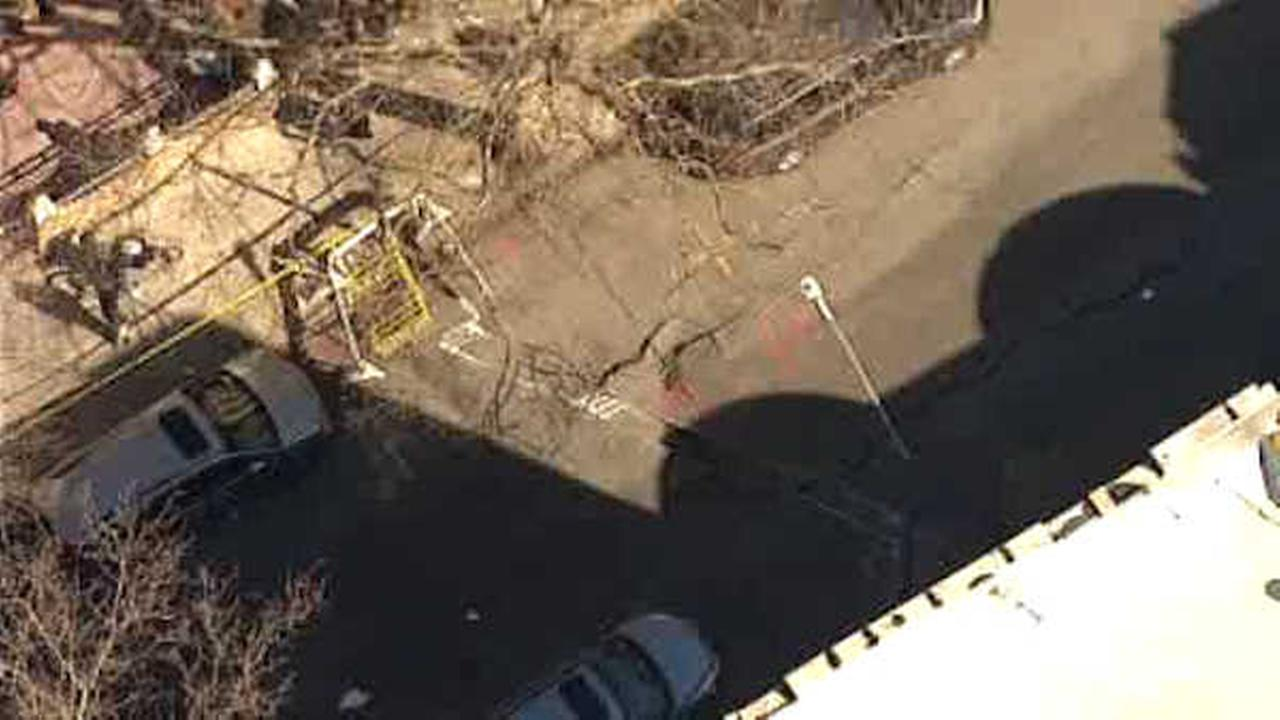 Large sinkhole opens up on street in Sunset Park, Brooklyn
