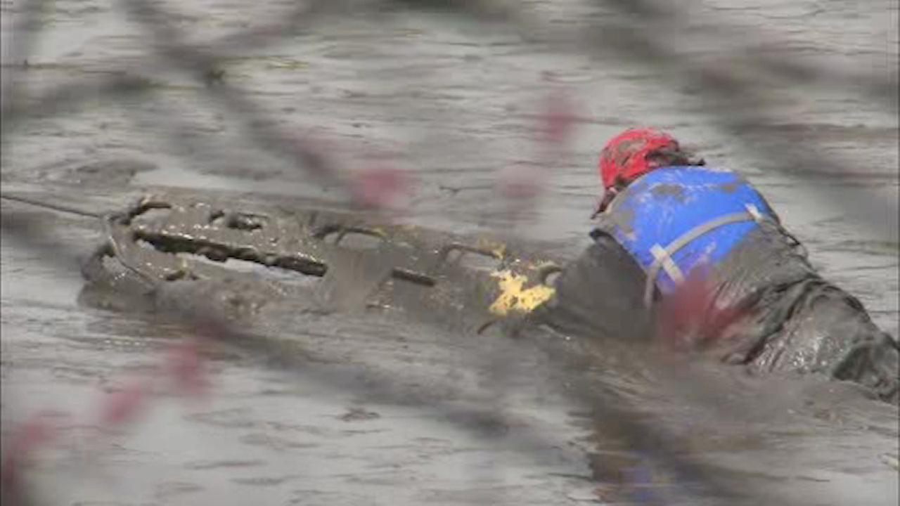 Kayaker rescued after getting stuck in mud in Hackensack River