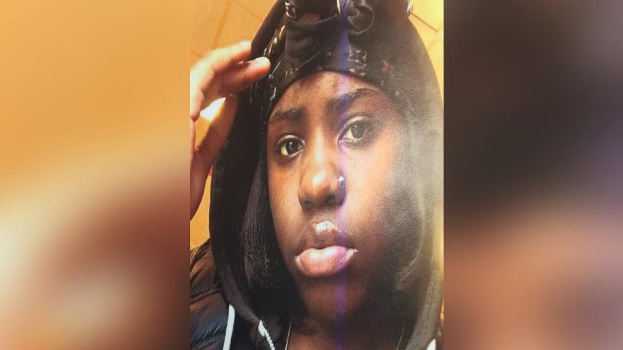 Police looking for teenage girl in stabbing of boy on Brooklyn subway