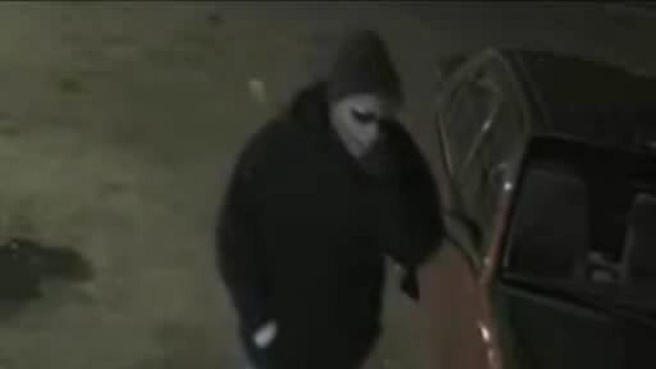 Suspect wanted in string of Nassau County robberies strikes again