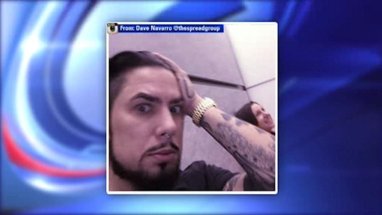 Guitarist Dave Navarro in elevator that plunged several floors in Midtown