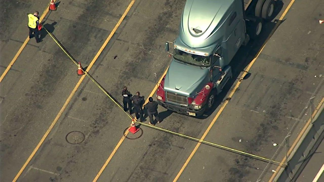 1 dead, 1 injured after being hit by tractor-trailer at terminal in Jersey City