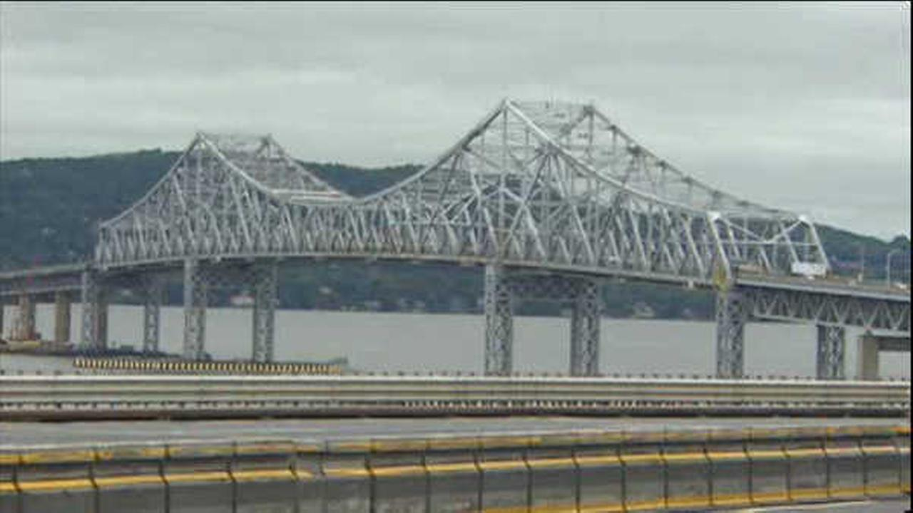 Cashless toll collecting takes effect at the Tappan Zee Bridge