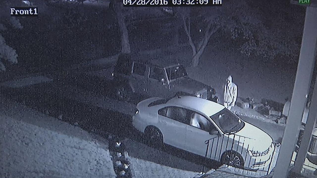 Thief using garage door openers in unlocked cars to burglarize homes in Hauppauge